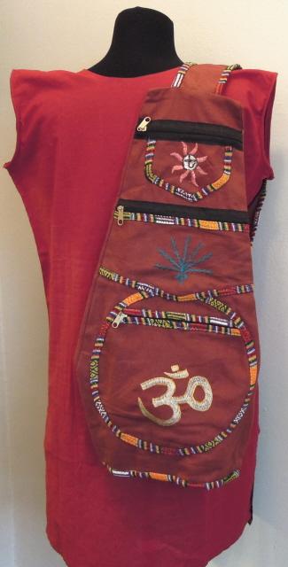 Рюкзак с одной лямкой с вышивкой в ассорт.  (Индия) II.